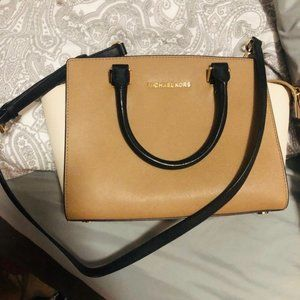 Michael Kors Small Tote (MAKE AN OFFER)